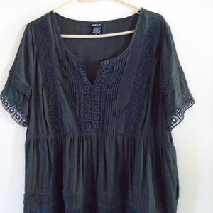 Torrid black pleated lace tunic Plus size 0